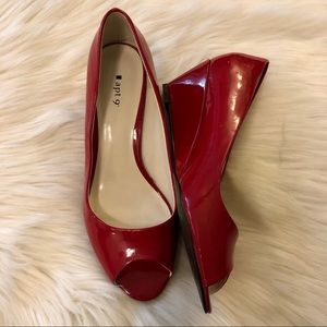 <Apt. 9> Red Patten Leather Peep Toe Wedges